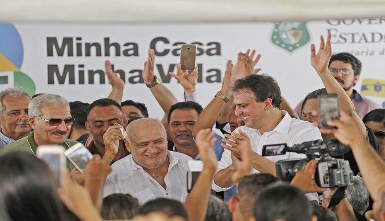 Governo do Ceará entrega 1.024 unidades do Orgulho do Ceará II
