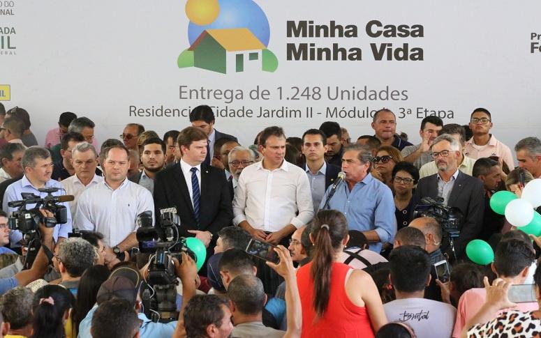 Mais de 1.200 famílias são beneficiadas com entrega de novas unidades do Residencial Cidade Jardim II