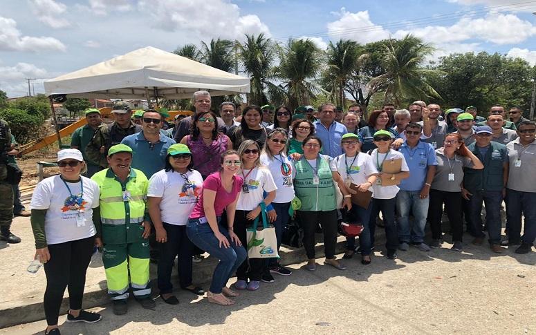 Zezinho Albuquerque participa de mutirão ambiental no Maranguapinho