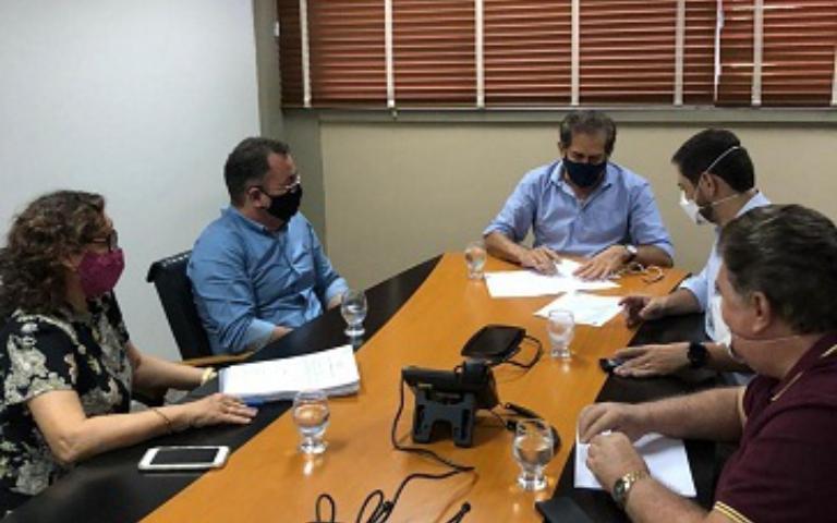 Maranguapinho: assinatura de ordem de serviço para conclusão de Residencial, em Maracanaú