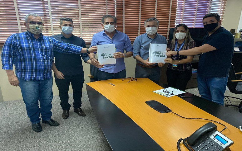 Programa Águas do Sertão: assinado primeiro contrato que beneficiará 200 famílias, em Jaguaribara